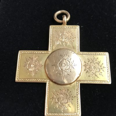 Cross in 15 Carat Gold